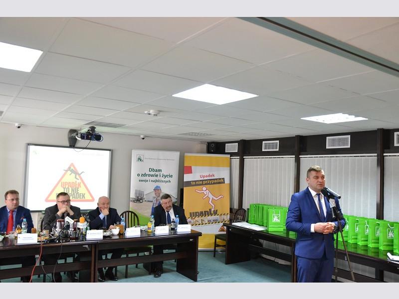 """""""Upadek to nie przypadek"""" - konferencja KRUS"""