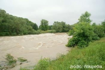 Wnioski na inwestycje chroniące gospodarstwa przed ASF lub powodzią